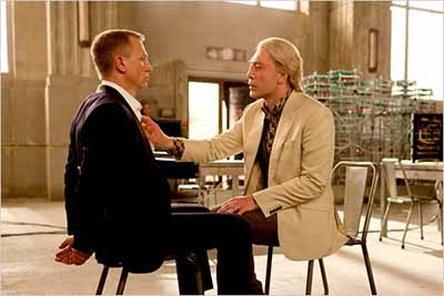 Bond in Raoul Silva's techno-lair