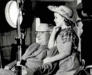 Dwan and Shirley Temple on the set of Rebecca of Sunnybrook Farm