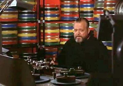Screenshot of Welles at the editing table