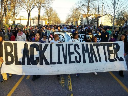 November 15, 2015, protest of the police shooting of Jamar Clark in Minneapolis. Photo by Fibonacci Blue. Reprinted with permission through Wikimedia Commons.