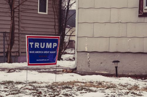 A Donald Trump for President campaign yard sign in West Des Moines, Iowa. Photo by Tony Webster. Licensed through Wikimedia Commons.