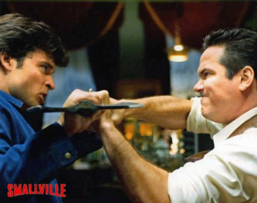 In 2007 Cain (here pictured opposite Tom Welling) guest-starred in CW's Smallville.