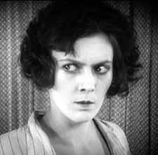 Natalia Glan as Miss Mend