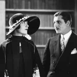 Lois Wilson and Warner Baxter as Daisy and Gatsby in the 1926 version